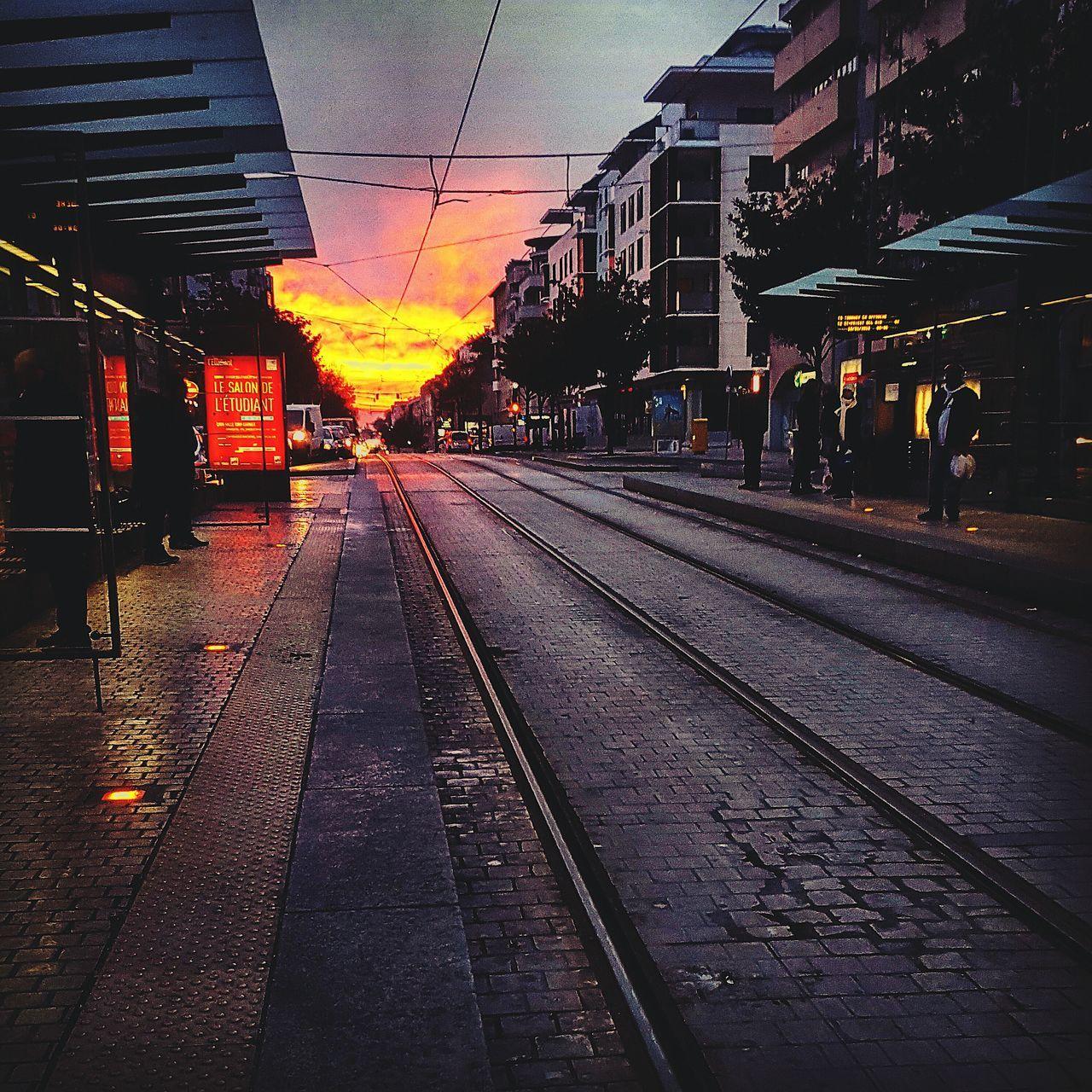 Apocalypse Bron Lyon69 Rhonealpes Mondaymorning France Sunrise Samsung Galaxy S6 Amateurphotographer