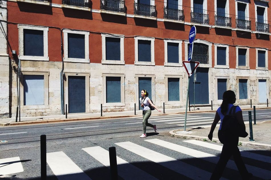 runBabyRun VSCO Vscocam Streetphotography EyeEm Best Edits EyeEm Best Shots Urban Landscape TheMinimals (less Edit Juxt Photography) Architecture Snapshots Of Life Capturing Movement