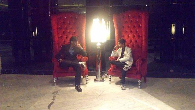 No Edit/no Filter Boys Brothers 5 Star Hotels Radissonblu Sofa Smart Boy Handsome Boys Attitude😎 Style ✌ Swag