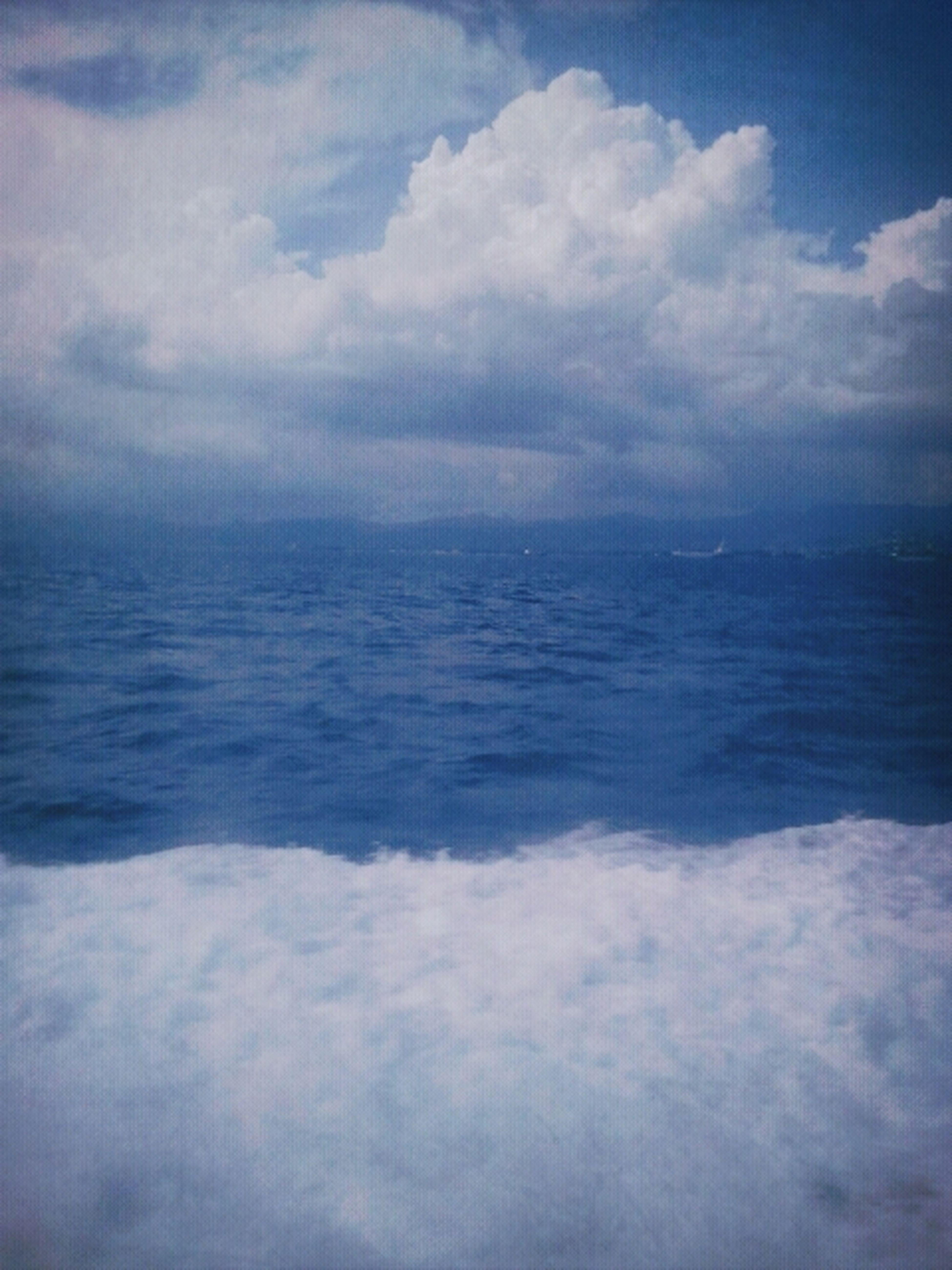 I am the sea. Nobody owns me. Photographs, Sea