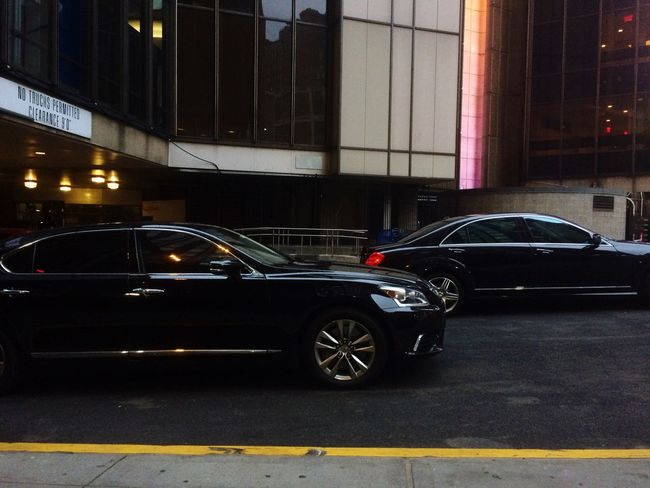 Limousine Black Cars Parking Lot City Life Car Service Vip Luxury Lifestyle Car Service