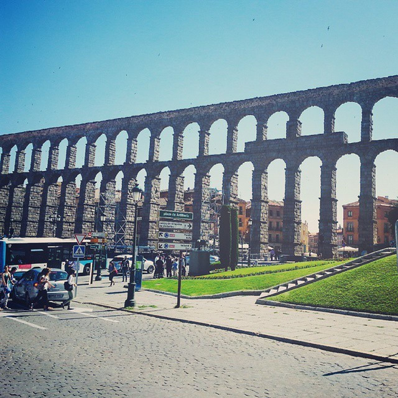 Such a beautiful place 💙 Vscocam Vscospain Segovia City Beauty Roman Style Town Tourist Sky Medieval Small Cozy SPAIN Goingtoieu Iexp15 Ie Ieuniversity Happiness Stroll Journey Walk