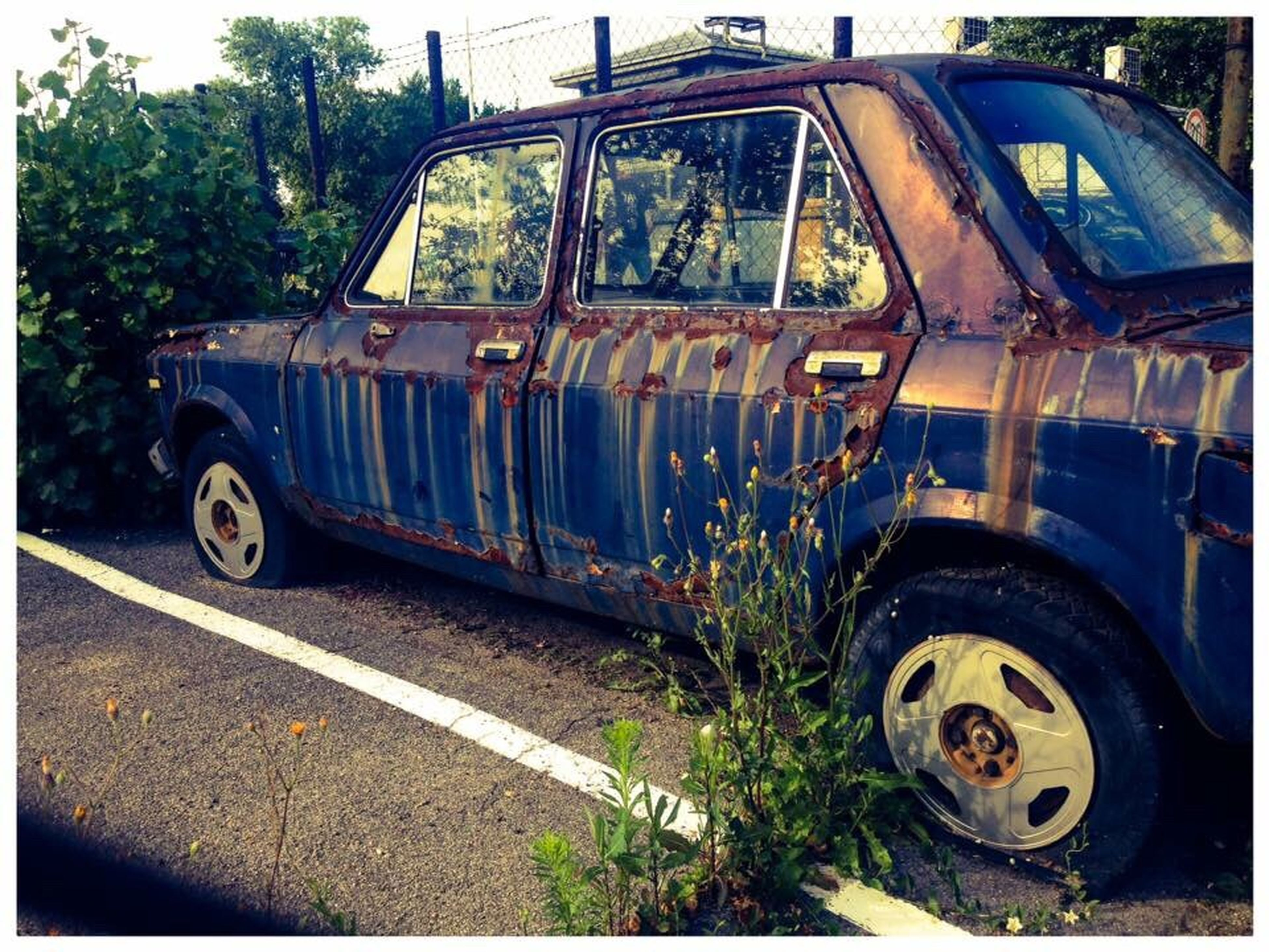 obsolete, abandoned, old-fashioned, damaged, antique, mode of transport, transportation, rusty, land vehicle, bad condition, no people, day, outdoors, sky