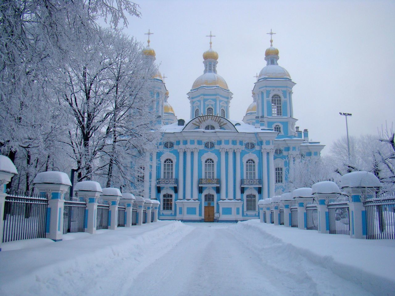 Beautiful Church Churches Nice Nice Atmosphere Russia Saint Petersburg Sanpietroburgo Snow Snow ❄ Showcase: February EyeEm Nature Lover EyeEm Best Edits EyeEm Gallery Eye4photography  EyeEm Best Shots EyeEmBestPics Pastel Power Snow Sports