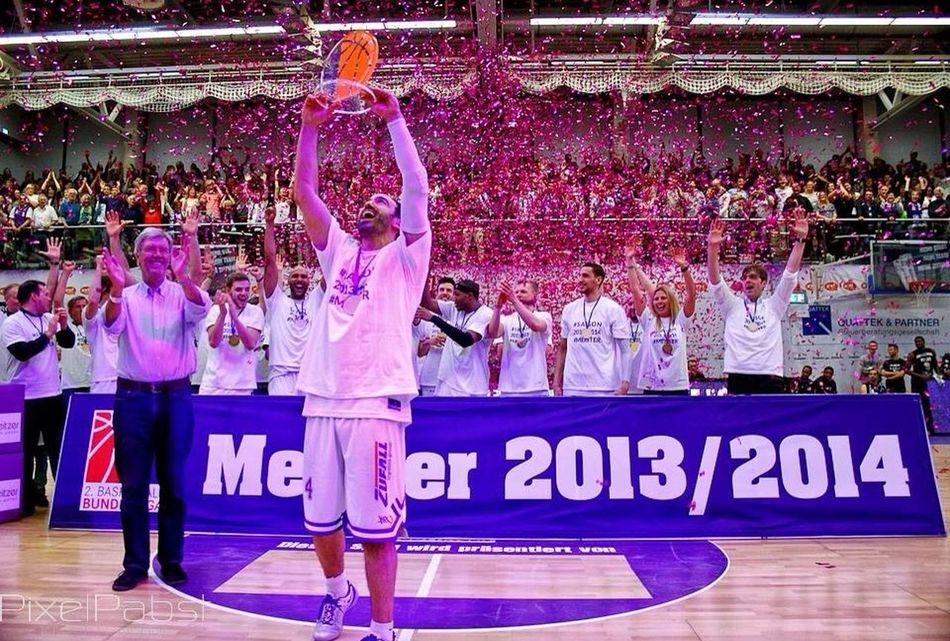2. Basketball Bundesliga Champion 2013/14 mit der BG Göttingen Basketball DiejungeLiga Deutschland Sport