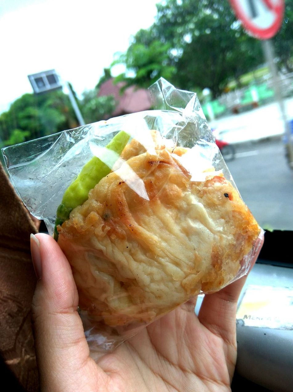 Bekal sebelum pergi. Just Xiaomi Xiaomiredminote3 Human Hand Tradisional Food Traditional Tofu Cabai Bus Food Gorengan Otw Bali, Indonesia Day Freshness Human Body Part One Person Food And Drink Holding People Adults Only Adult One Man Only Lifestyles Close-up Outdoors