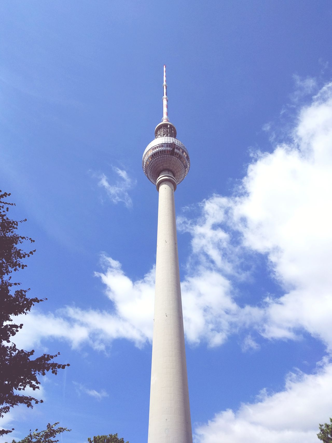 Tall - High Travel Architecture Travel Destinations Low Angle View Communication Tourism Sky City Broadcasting Built Structure Arrival Day No People Blue Outdoors Modern Fernsehturm Fernsehturm / Tv Tower Fernsehturm Berlin