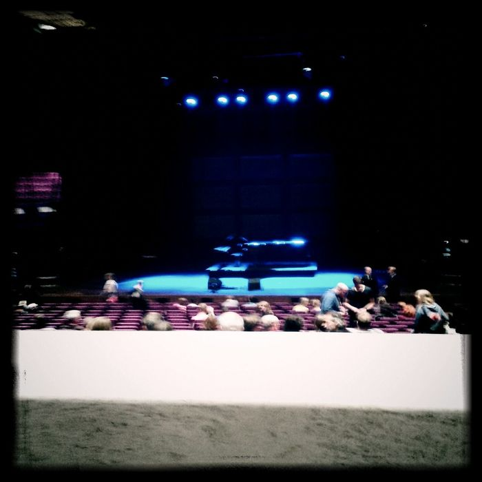 17 minutes to go! Tori Amos Concert