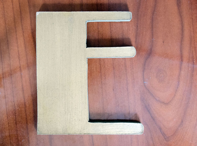 Objetos cotidianos. 2017 Close-up Day Eddl Letter Letter E No People Objects Wood - Material Zaragoza