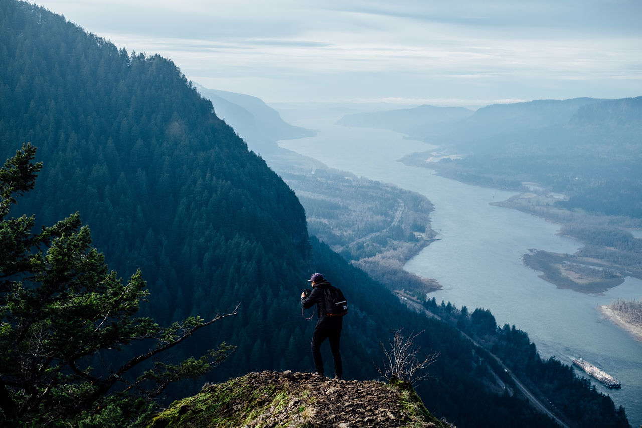 Above Mountain Hiking High Angle View Landscape People Adult Adventure Photographing Outdoors Nature Men Mountain Range Forest Travel Destinations Oregon Sky PNW Tranquility Tranquil Scene Beauty In Nature Long Goodbye The Secret Spaces The Great Outdoors - 2017 EyeEm Awards