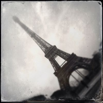 BNW PARIS by derikonograph