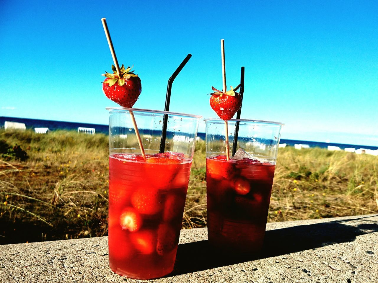 Cocktail Drink Holiday Beachtime Strawberry Togheter Ostseebad Kühlungsborn Wine Moments Strandspaziergang Beachlife Beach Day Strand ♥ Ostseeküste Beachview Ostseestrand Beach Photography Beach Beach Time Sea