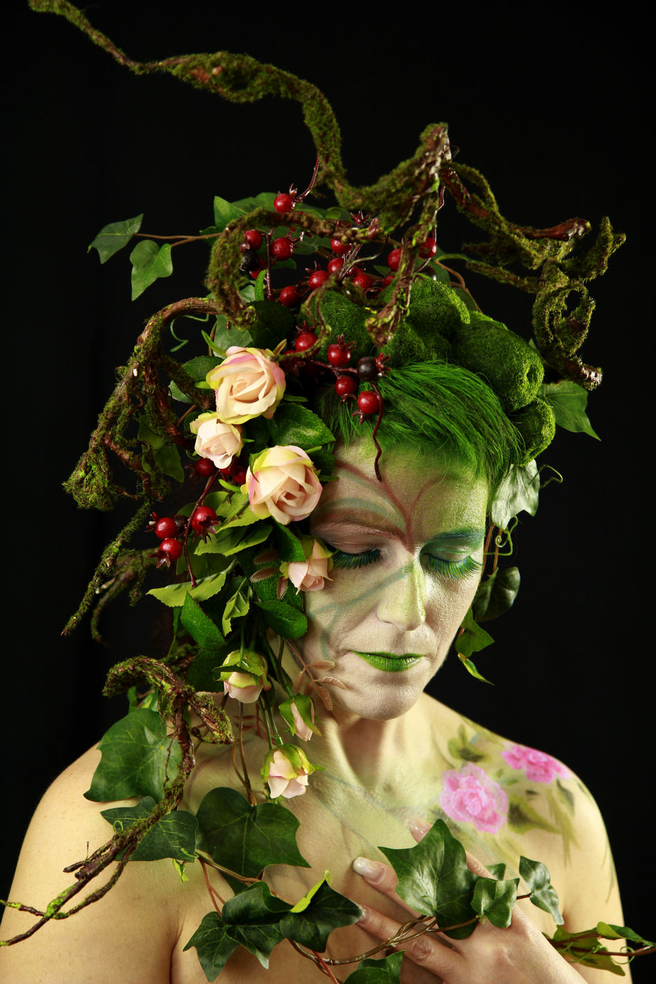 Bodypainting Branches Branches And Leaves Elf Elf Fantasy Fair Extreme Makeup Fairy Fairytale  Fashion Hair Green Green Hair Hipstamatic Ivy Leaves Moss Nature Rose Hip Roses