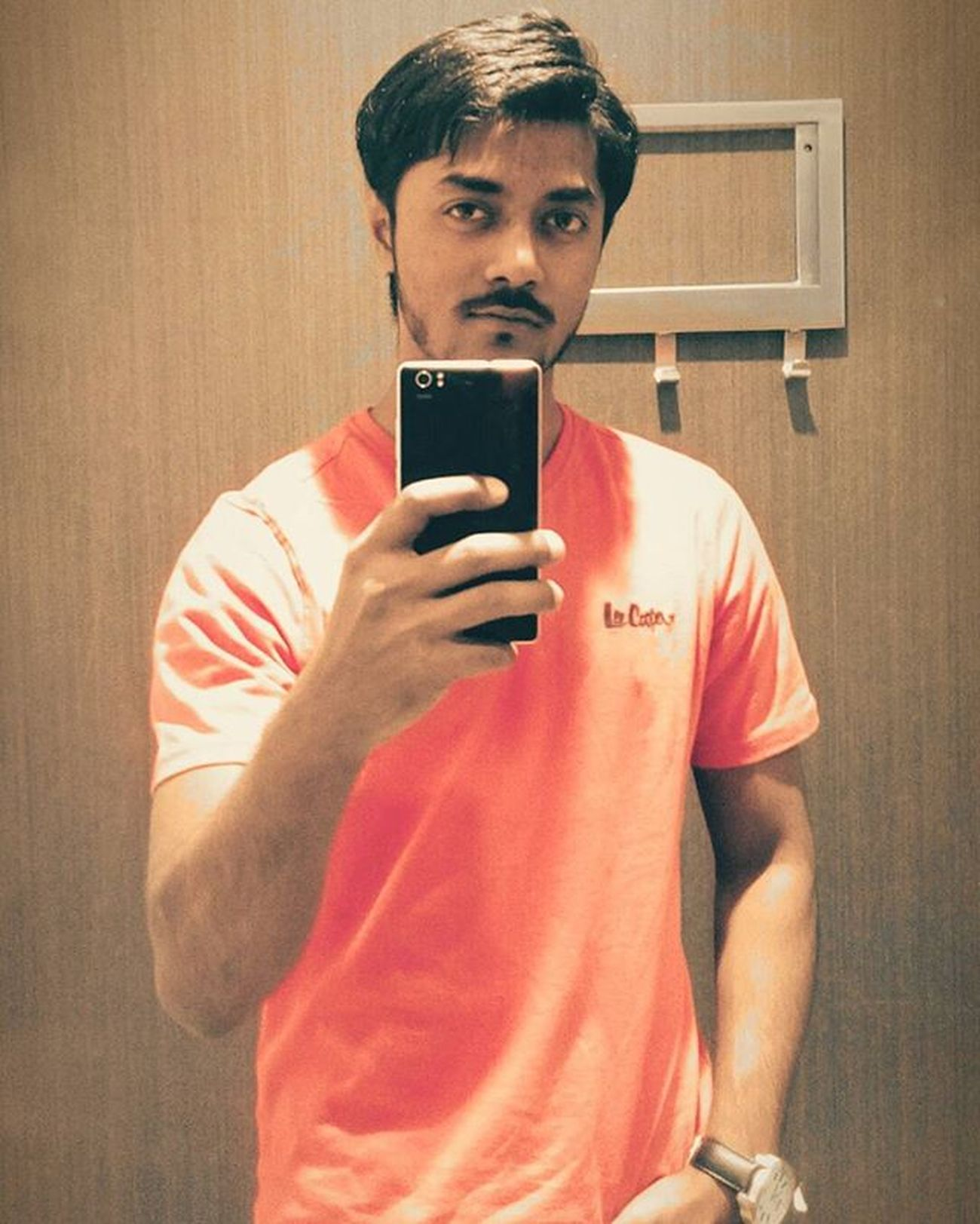 Do I seriously looking hawt ???? Sexymen Beards Beautiful Beardgang Trancefamily Tranceartist Uplifting World Lovely Instagram Red Dude AlwaysTrance Fitness Fit Happy Hurt Lost Peace PERFECTO Eyes Changingroomselfie LOL