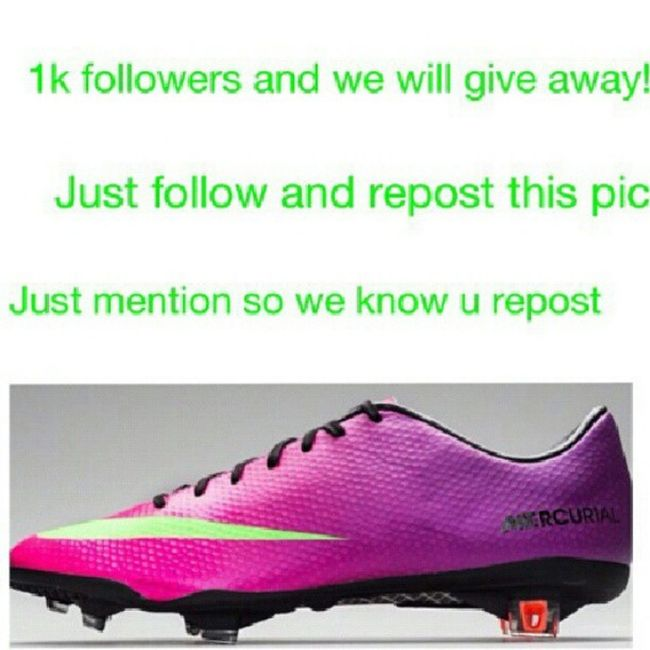 @soccerbootsnews Giveaways IWantThose follow @soccerbootsnews he is awesome! Footballboots MV9 Vapor9 nike BeMercurial