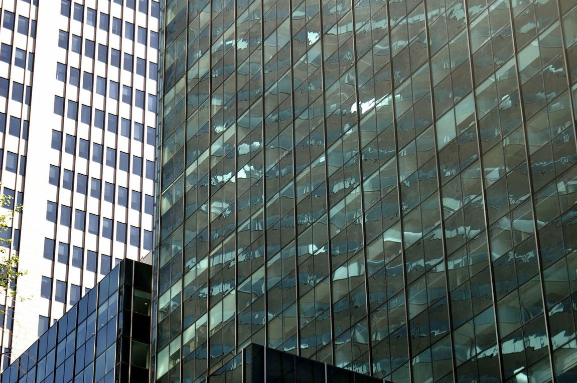 glass in NYC Architecture Building Exterior Built Structure Clauds And Sky Free Glass Grattacieli Low Angle View New York City NYC Outdoors Sky Cla Vetri The City Light