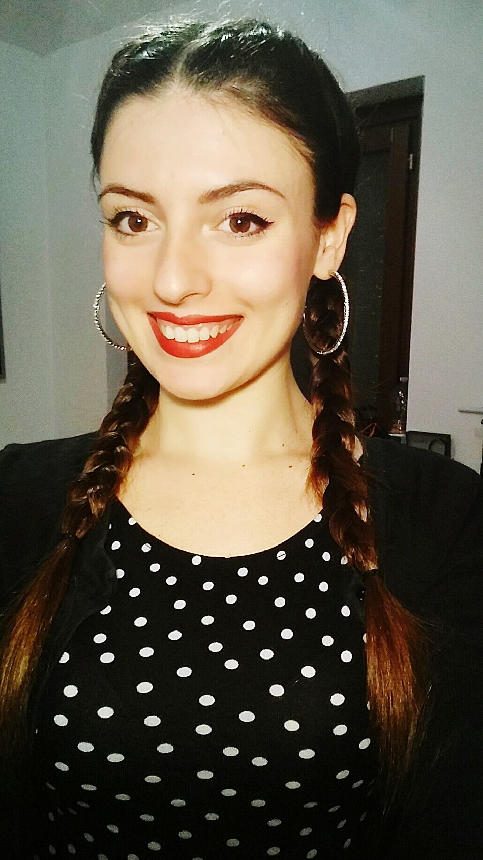 Just me ✌Portrait One Woman Only Looking At Camera One Person Smiling Long Hair Red Lipstick Make-up Indoors  Pois Brown Hair Browneyes EyeEm Only Me Braided Hair Like Like4like