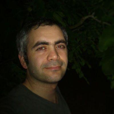 Akşam bahçe gezintisi Bah çe Garden Gezinti Ride Walking Outing NightGreen Leaf