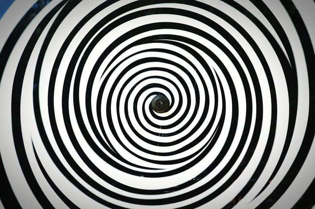 Spiral background Spiral Spirale Circle Turning Around Black And White Abstract Optical Illusions Opticalillusion EyeEm Bestsellers