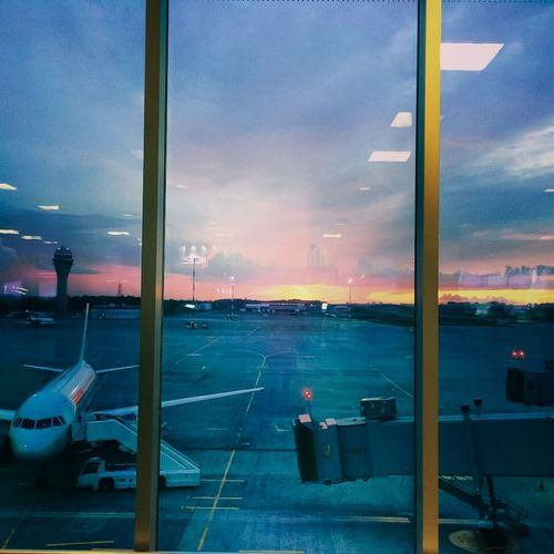 Check This Out Sankt-Petersburg Airport Pulkovo Dusk Colors