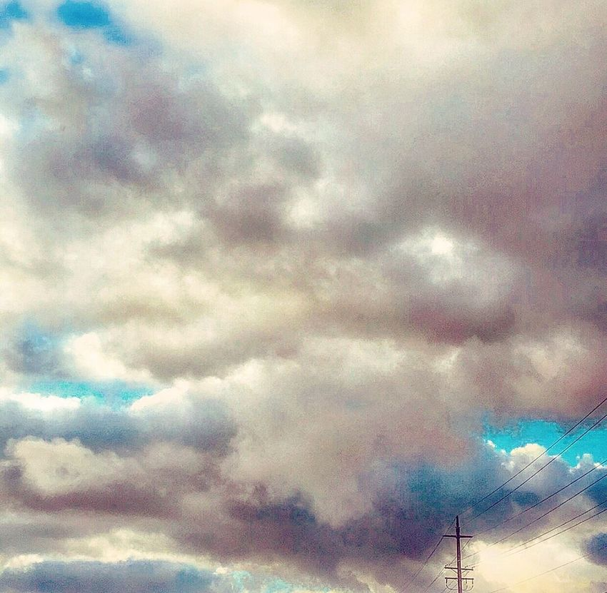 Dreams of you .. Sky Low Angle View Cloudscape Visions As You Wish Time Time Time Things To Remind You Unbreakable Bond EyeEm Nature Lover EyeEm Gallery Eye4photography  Winter Sky Between You And Me Praying Not Giving Up Love And Light Between You And I
