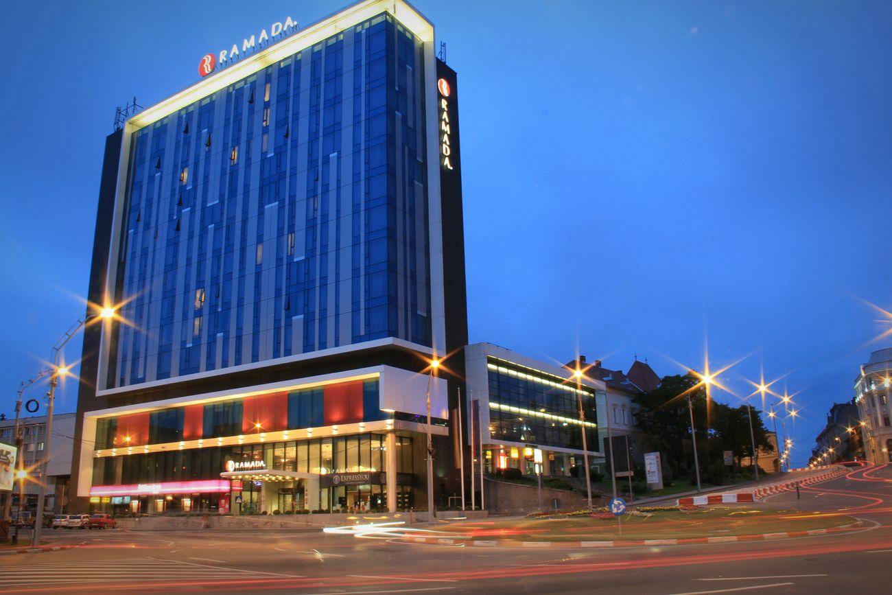 Illuminated Long Exposure Sibiu, Romania Ramada Hotel Streetphotography Outdoors Architecture