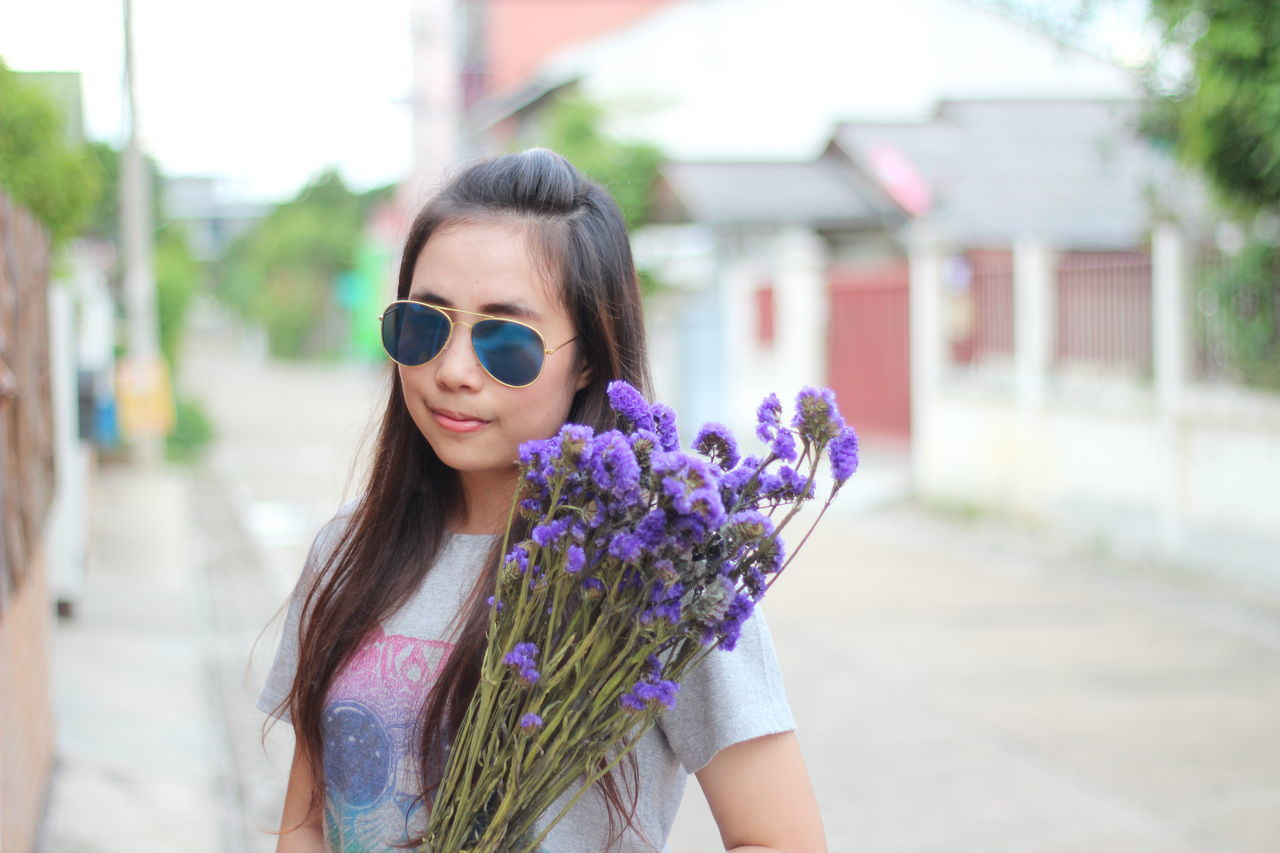 Beautiful stock photos of thailand, 25-29 Years, Bouquet, Casual Clothing, Chiang Mai