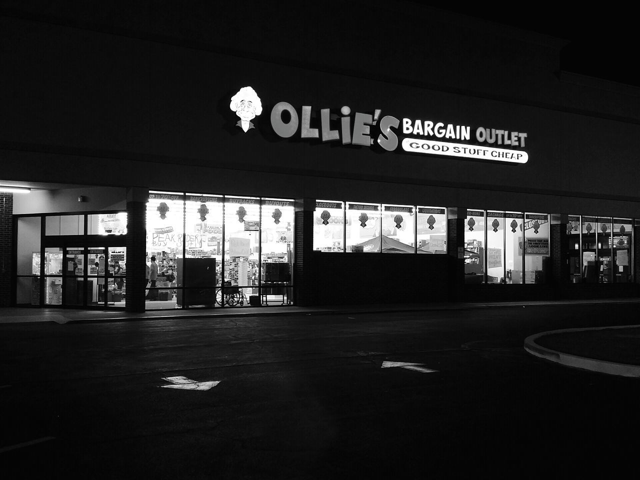 Patiently waiting for my wife... Ollies Black & White Black And White Photography Night