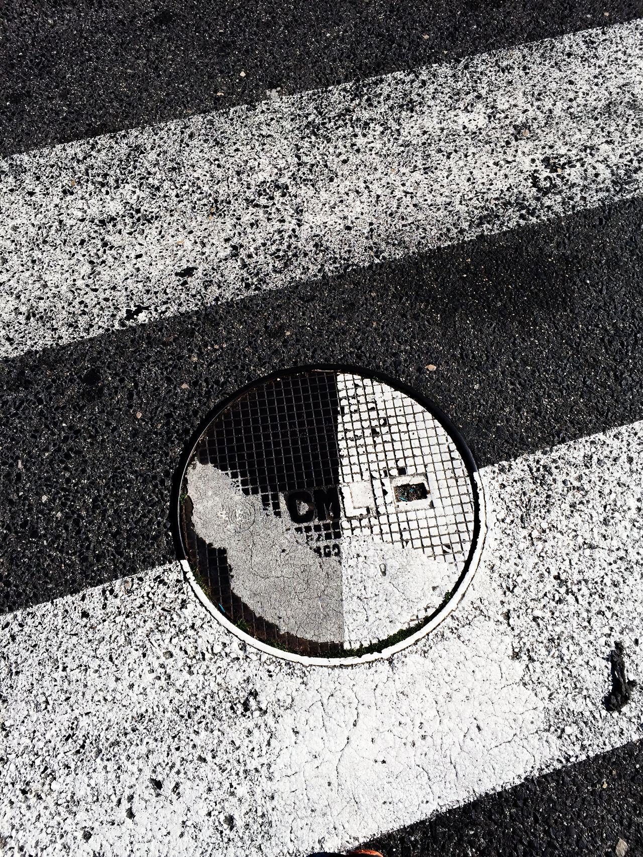 Close-up Crosswalk Day IPhone IPhone Photography IPhoneography Iphonephotography No People Outdoors Pacman Sewercover