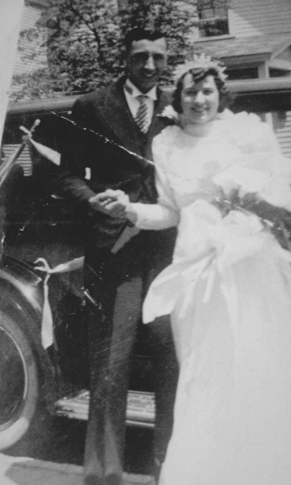 1930s Wedding Dress Wedding Bride Wife Two People Full Length Archival Real People People Husband Togetherness Enjoying Life Weddinginspiration Love❤