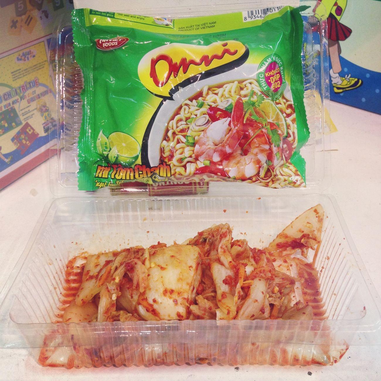 Lâu lắm không phải ăn mì 1 mình ?????? #kimchi #noodle #yummy