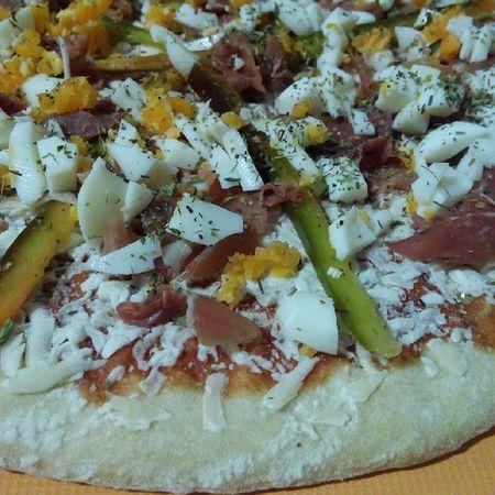 Pizza Casera Harina Sal Oli Tomate Queso Pimiento Huevo Jamon Oregano ñacñac Rico Cocinar Casa SPAIN Nice Cute Delicatezen