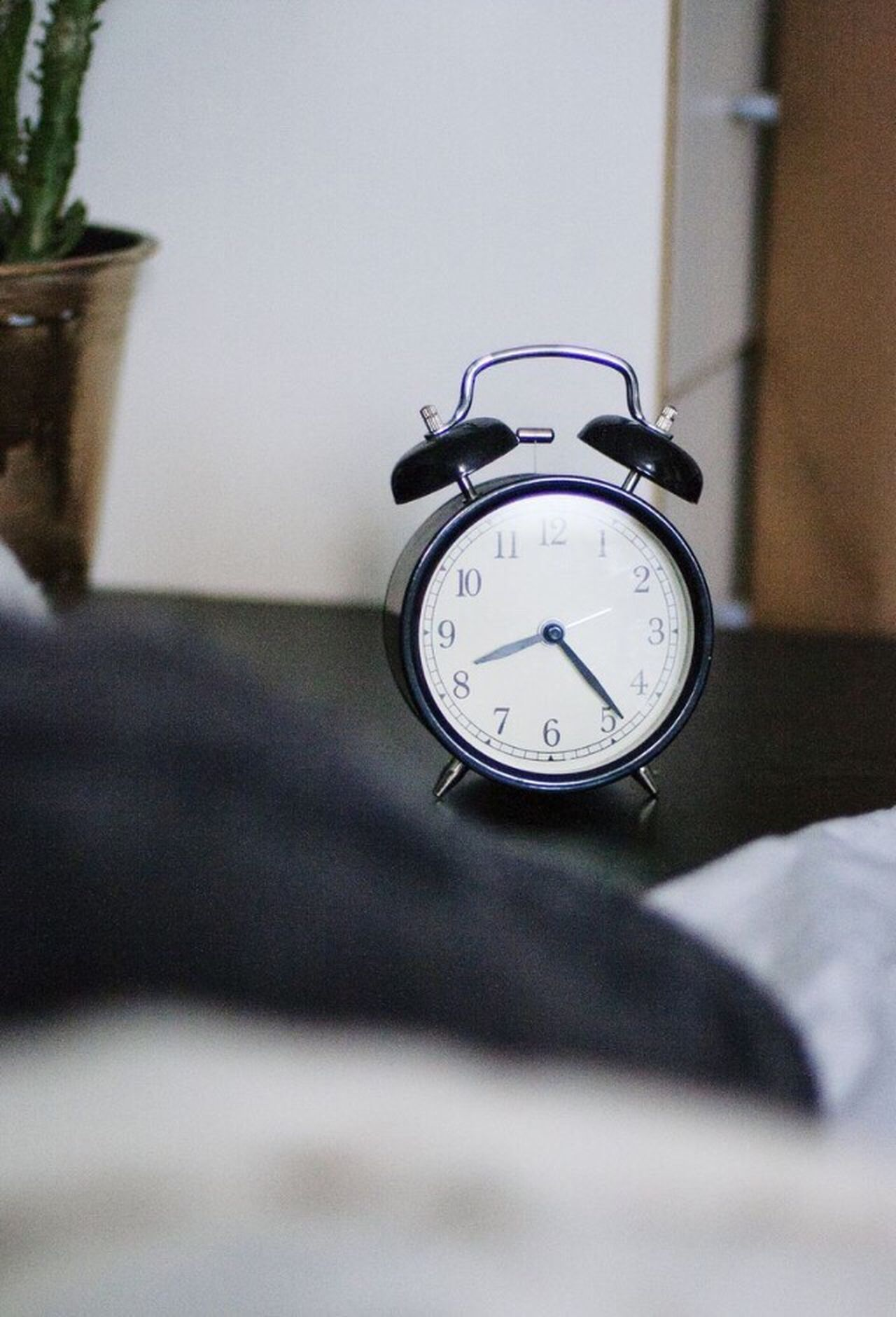 Clock Alarm Clock Time Bed Focus On Foreground Bedroom No People Close-up Indoors  Clock Face Day Peace EyeEmNewHere Savings Morning Wake Up Early Morning AlarmClock Looking At Camera Daydreaming Welcome To Black The Architect - 2017 EyeEm Awards