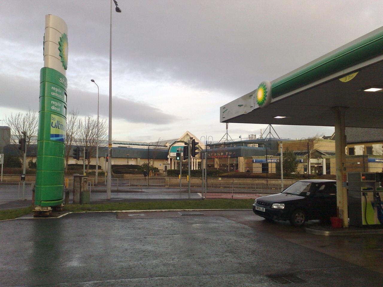 My Mythic Mearns Cars Gas Station Petrol Station Rain Rental Car Shopping Mall