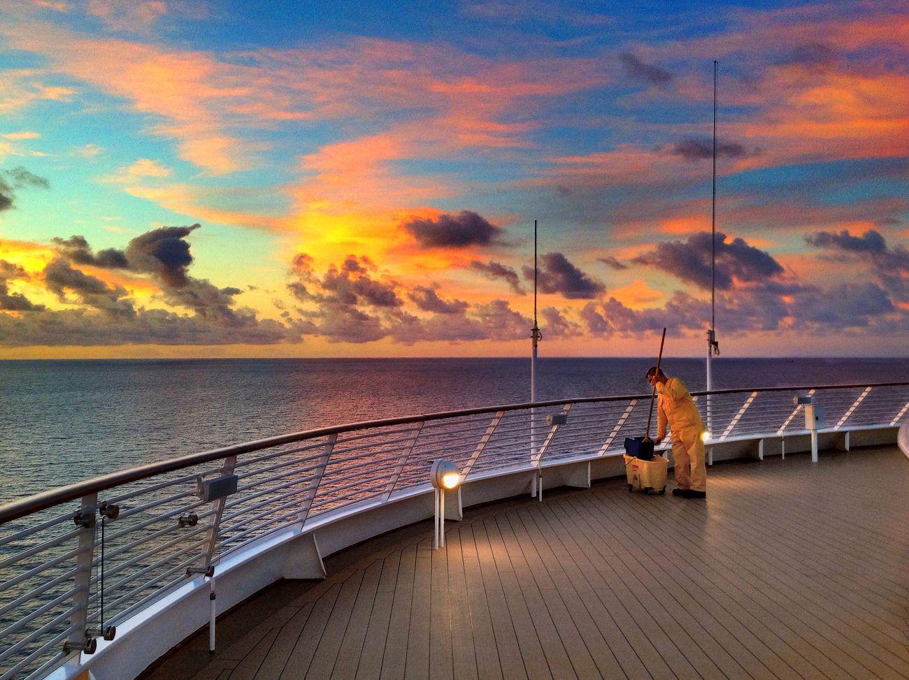 sunrise at Disney Cruise Sunrise