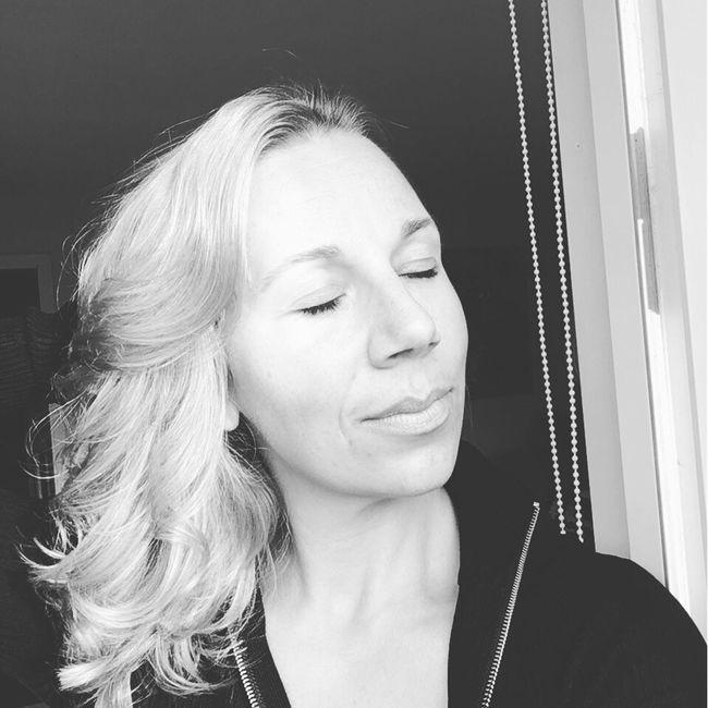 Raw Beauty Nomakeup Today's Hot Look Sweden Yogini Gymshark Eyemselfie Fitover40