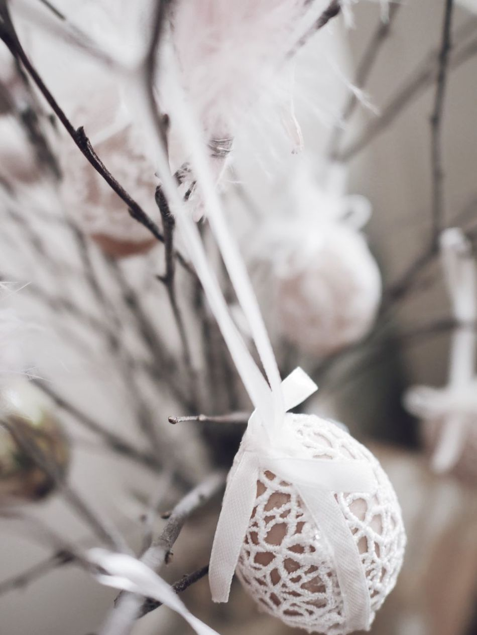 Close-up Hanging Celebration Focus On Foreground No People Indoors  Day Still Life Home Interior Backgrounds Branch Softness Feathers Decoration Ornamental Indoors  Fragility Textured  Feather  Lace Ornaments Lace - Textile White Color Bouquet Hanging