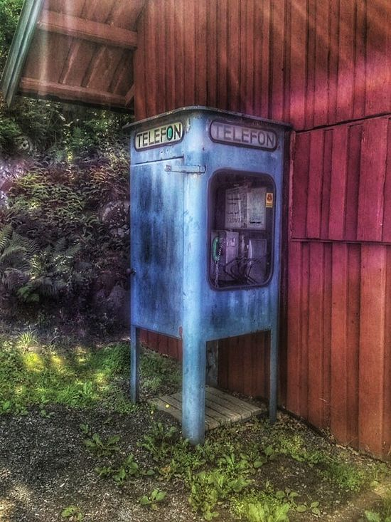 Phonebooth Retro Check This Out IPhoneography Walkabout Ancient Remains Nonexistent Flashback Back In The Day Cool something i havent seen for many years.