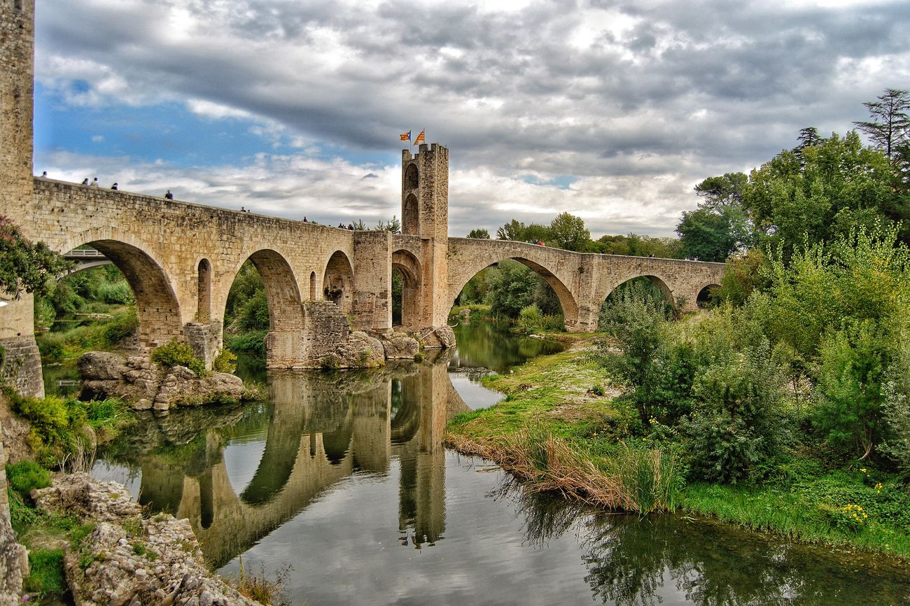Architecture Arch Bridge Cloud - Sky Reflection Travel Destinations HDR Famous Place Medieval Besalú-Girona