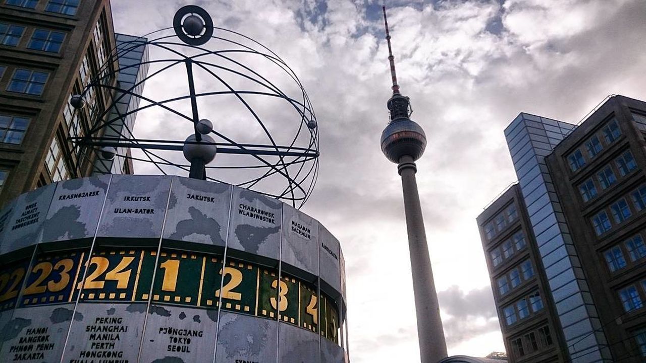 Berlin Alexanderplatz Germany Tvtowerberlin Worldtimeclock