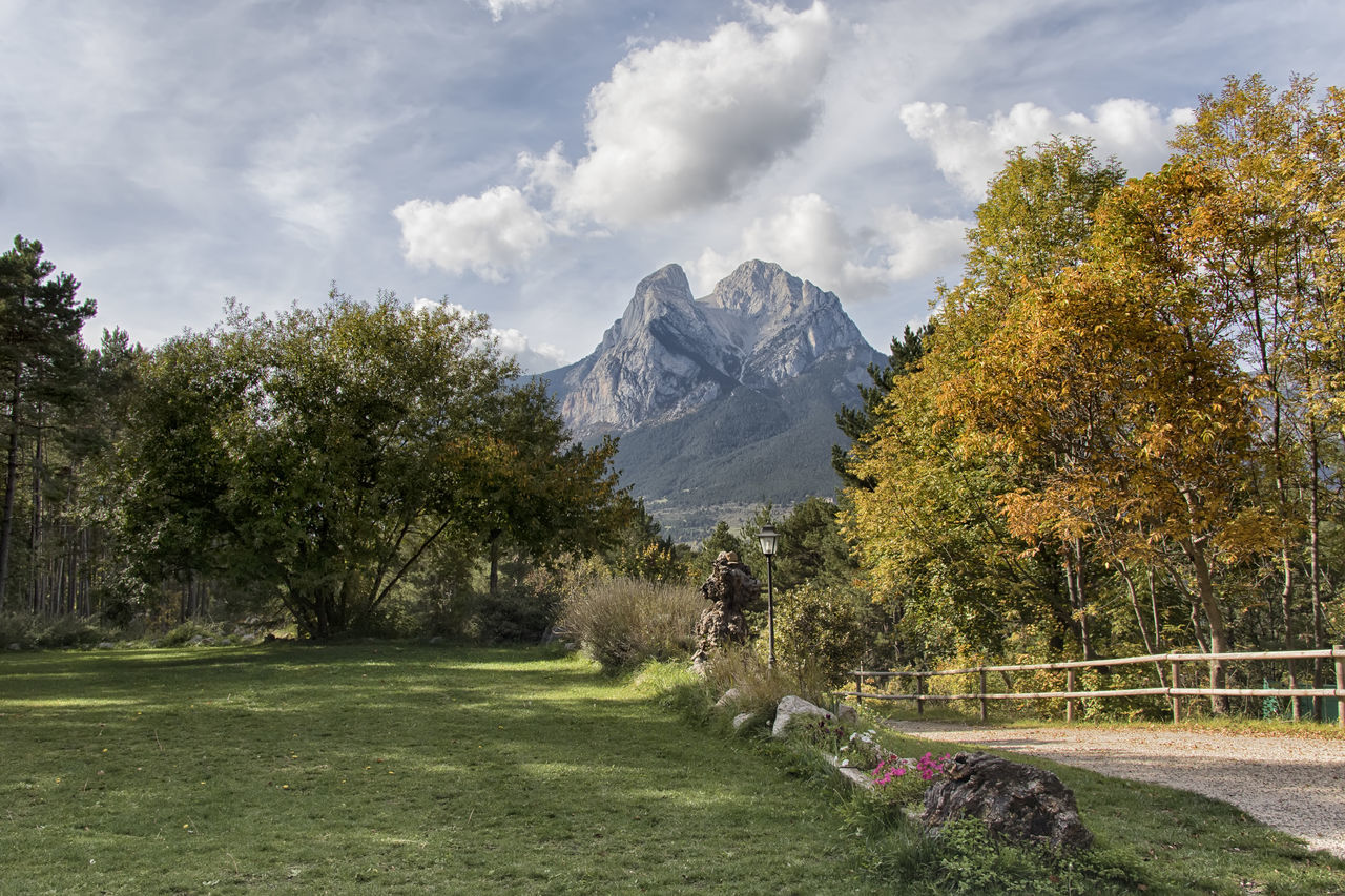 Landscape with the mythical Pedraforca mountain in the background. Catalunya Cold Temperature España Horizontal Landscape Mountain Mountain Range Nature Otoño Scenics Season  Tranquil Scene