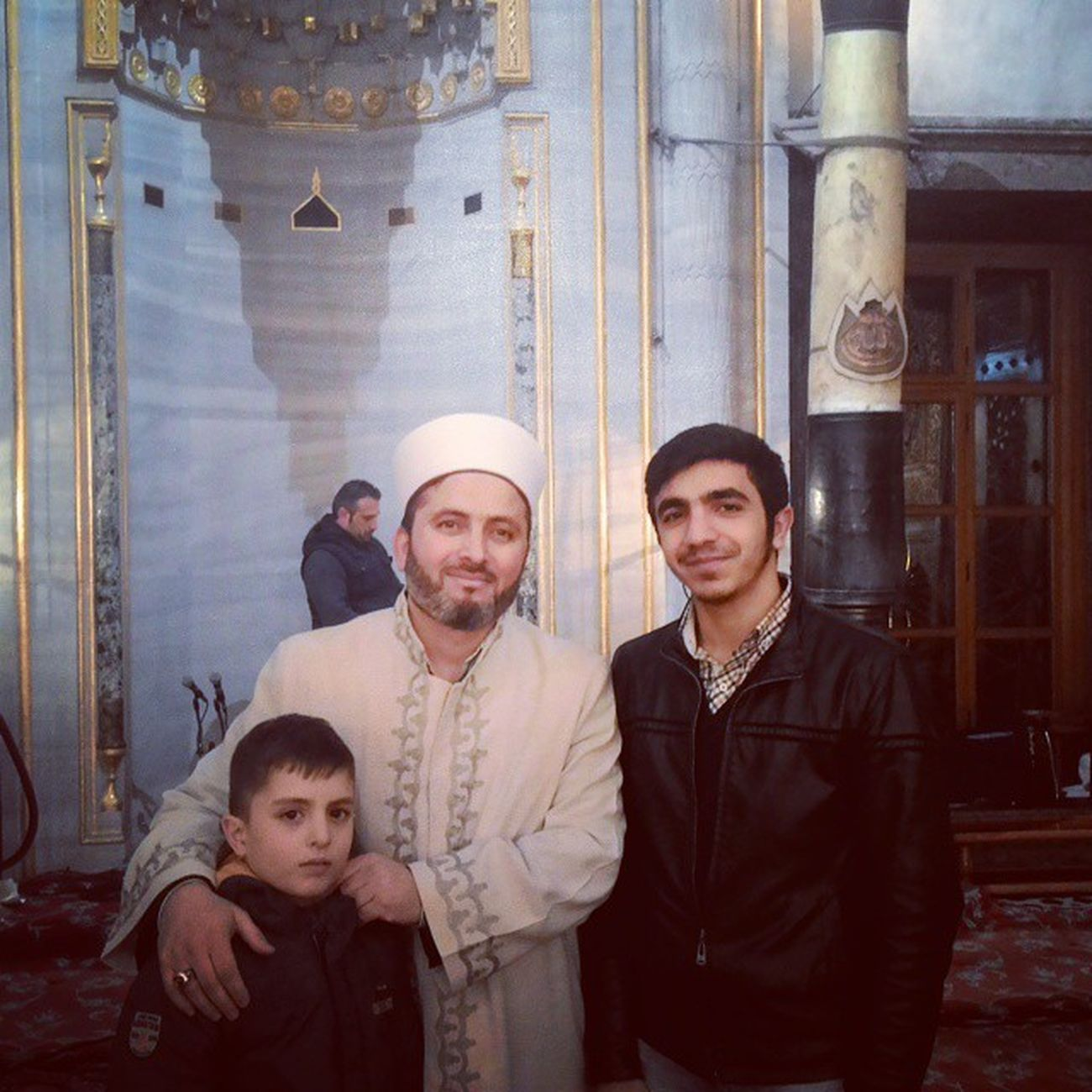 Sultanahmet Camiinin IMAMI Ishak hocaylaMevlidkandilinden