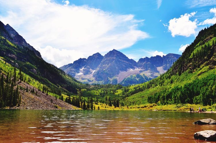 Maroon bells in Aspen is one of the most photographed site. This is like a beautiful painting on a canvas. HDR Likeapainting Nature Slrphotography SLR Vivid Hills Mountains