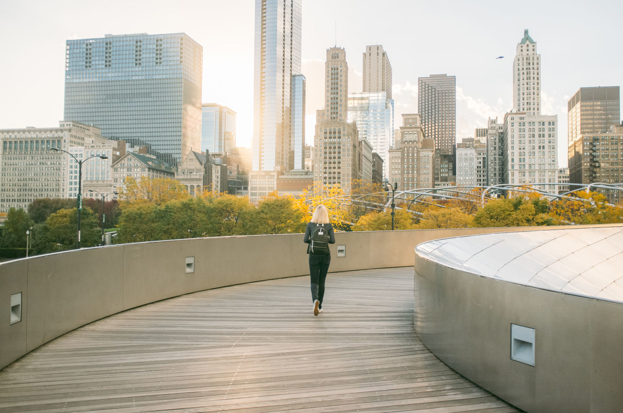Beautiful stock photos of chicago, 25-29 Years, Architecture, BP Bridge, Backpack