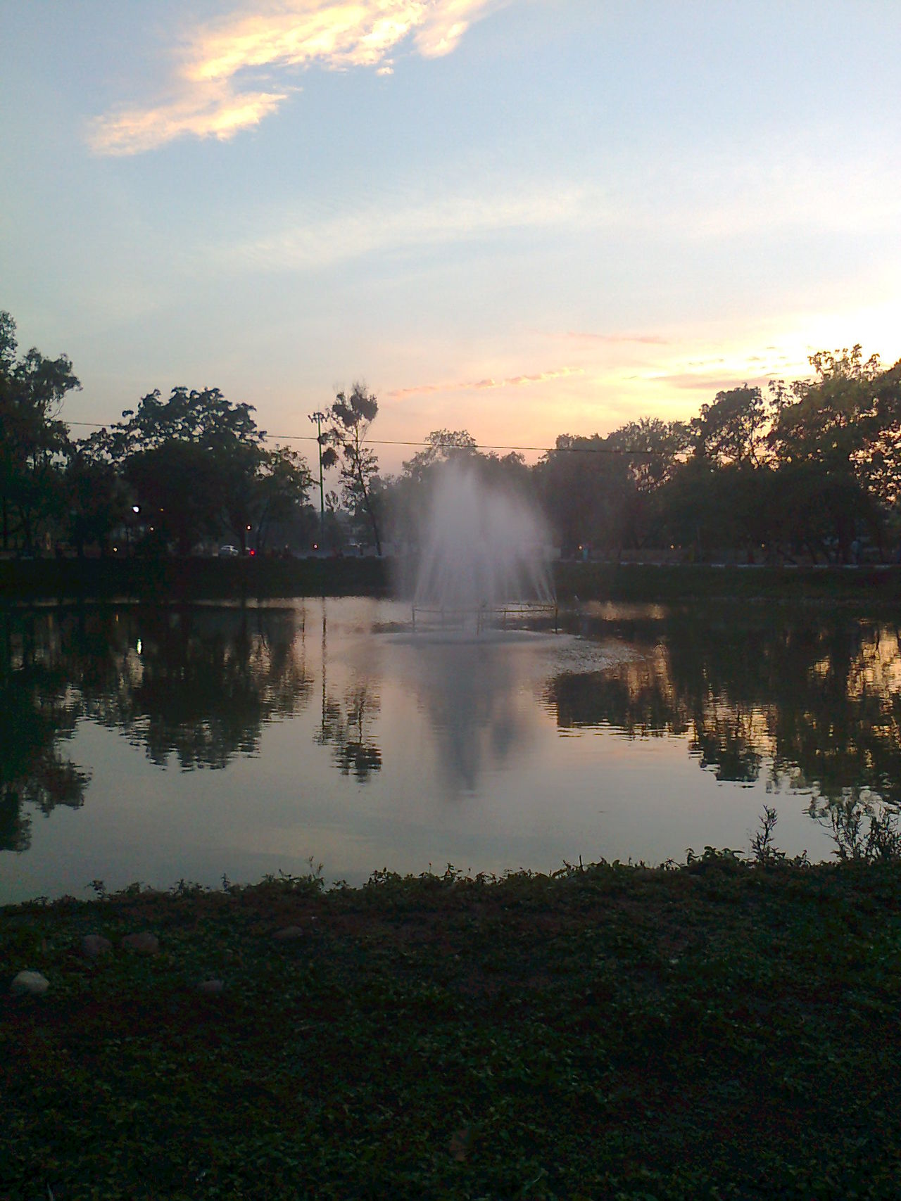 Fountain Nature Outdoors Reflection Reflection Scenics Sskycloudc Sunset Water