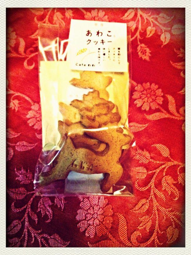 三越前の奈良まほろば館で見つけた奈良の鹿型粟クッキーなのです。Awa cookie made in Nara, historical city of Japan.