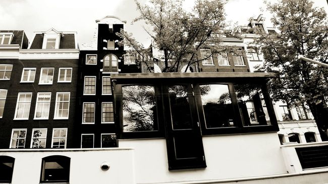 Amsterdam Houseboat Houseboats In Amsterdam EyeEm Gallery EyeEm Best Shots - Black + White BW_photography Eyeemphotography Houseboats Gallery Glass - Material Built Structure Window Architecture Building Exterior Cityexplorer Reflections Reflections And Shadows Reflection_collection Amsterdamcity