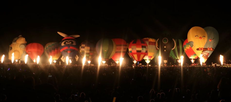 Airtransportation Ballooning Festival Celebration Cheerful EyeEmNewHere Flames Fresh On Eyeem  Hotairballoons Illuminated Inflatables Large Group Of People Leisure Activity Magical Night Nightphotography Outdoors