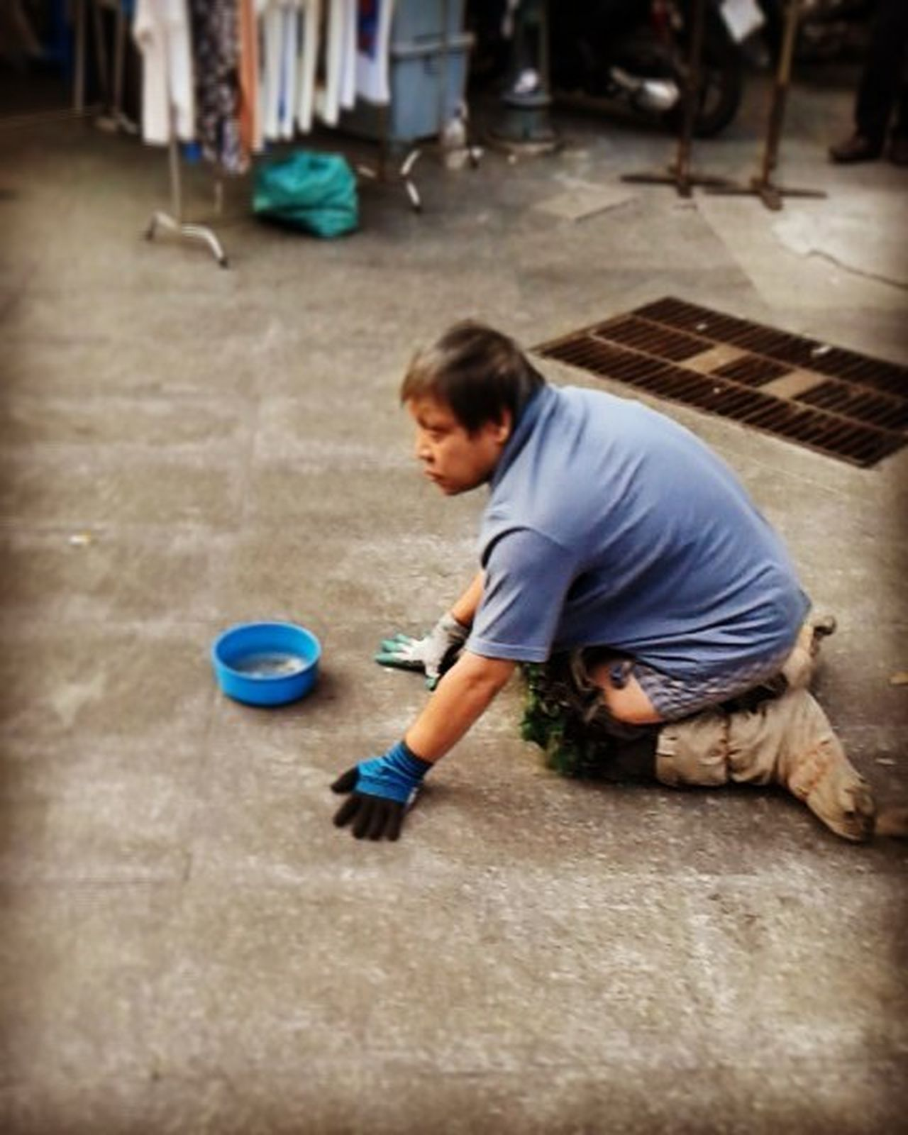 Bagsonmylegs Darksideofeverycity Homeless Begging Poor  Street Unlucky Money Streetphotography Photograthy City Bangkok