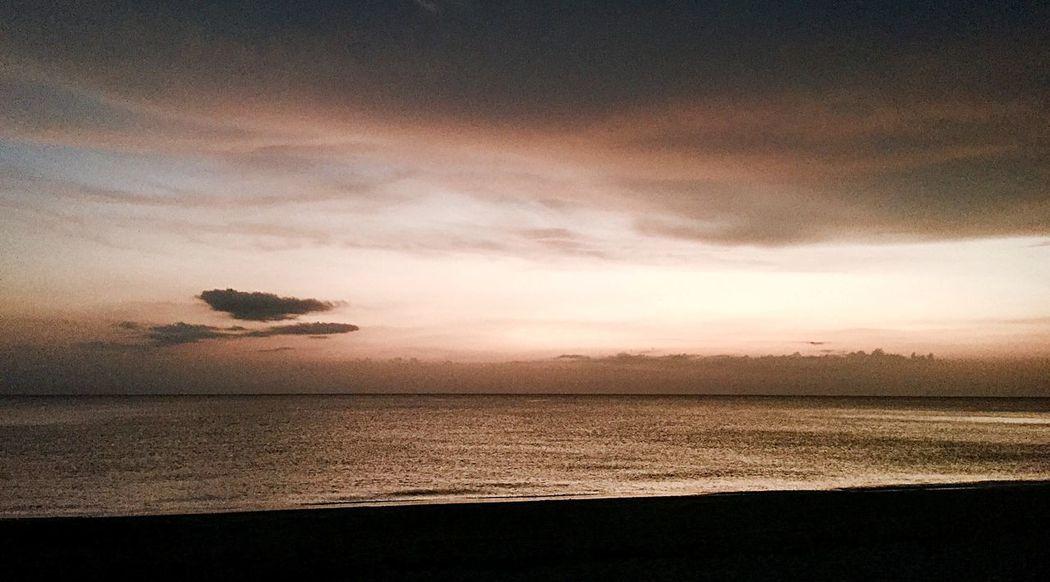 EyeEm Best Shots - Sunsets + Sunrise EyeEm Nature Lover Skyporn A Quiet Day At The Beach.... Sea